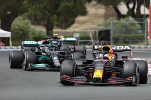 メルセデスF1、フェルスタッペンのアンダーカットを許した原因の特定に苦戦「この結果は想定していなかった」/F1第7戦