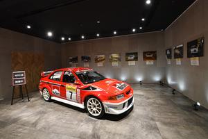 WRC参戦のランエボVIを間近で見られるイベントが三菱本社ショールームで開催中! テイクアウト専門カレーショップもオープン