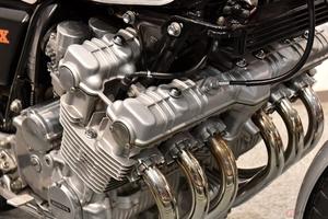 バイクのエンジン音がうるさいと感じた時の原因とその対処法とは