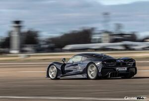 最高速度500km/h超への挑戦! ヘネシー・パフォーマンス ヴェノム F5がエンジン出力を900hpに制限したテストを完了 【動画】