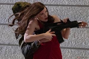 完璧な女性暗殺者が孤独な戦いに挑む『AVA/エヴァ』