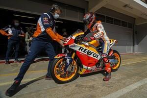【MotoGP】「ホンダはベストな状況ではない」復帰マルケス、まずはブラドル搭乗マシンから作業スタート