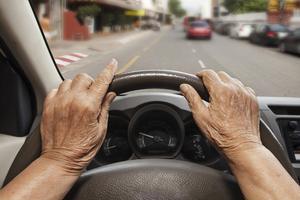 申請場所は?必要なものは?運転免許証を自主返納する時の申請手続きの方法