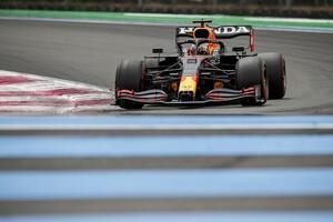 F1フランスGP予選:お見事フェルスタッペン、圧巻アタックでポール獲得。角田裕毅はQ1でクラッシュ