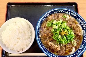 名神高速「草津PA」で看板の文句に誘われて満腹「PA飯」に出会った!? バイクで行く高速道路グルメ