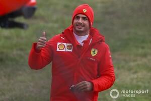 """サインツJr.の""""忘れられない1日""""。フェラーリでの初走行は「とても幸せだった」"""