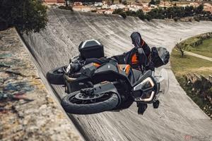 KTM「1290 SUPER ADVENTURE S」新時代のデザインと革新的なテクノロジーを搭載した2021年モデル公開