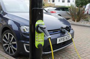 【電動モデルの恩恵】クルマのCO2排出量、前年比11.8%減 過去最高の削減率 英国自動車工業会発表