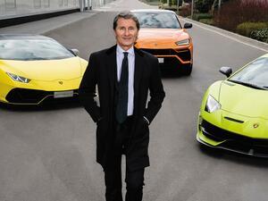 「ランボルギーニは2021年にV12の新型車2台を発表。うち1台はハイブリッド」新CEOにインタビュー