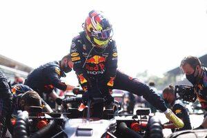 レッドブル・ホンダのペレス、追い越し時の違反で表彰台失う「指示なくペナルティが出た」と代表/F1第14戦