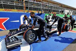【角田裕毅F1第14戦密着】イタリアGPはブレーキトラブルで走れずに終わるも「来てよかった」と父・信彰さん