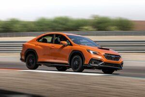 スバル、新型『WRX』を世界初公開。2.4L水平対向エンジン採用の新世代AWDパフォーマンスカー