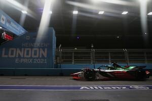 """フォーミュラEロンドンePrixレース2決勝:まさかこんなことが……SCを活かした頭脳的""""奇襲""""でトップチェッカーのディ・グラッシは失格。優勝はリン"""