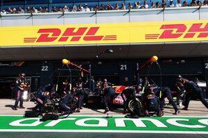 F1ピットストップ規制導入がベルギーGPに延期。チームとの協議の後、内容も一部変更に