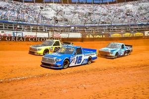 HREタンドラ、スリッピーなダートコースに苦しみ9位フィニッシュ【2021 NASCARトラックシリーズ 第5戦】
