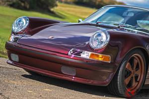 いま注目のレストモッド・ポルシェ「911」。見た目「初代」中身は「964型」の秘密に迫る!