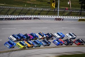 「服部レーシングE」16号車はクラッシュを喫すもポイントは獲得【2020 NASCARトラックシリーズ 第19戦】