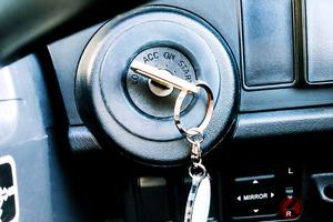 コンビニでよく見る「鍵付けっぱ&エンジン掛けっぱ」は違反? 全国で「無施錠」が横行する理由