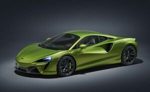 マクラーレンが市販モデル初のプラグインハイブリッド車「アルトゥーラ」を初公開