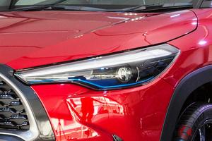 トヨタが新型SUV発売を予告!? 新型「カローラクロスHV」拡販か? 「大きな可能性秘める」注目車 マレーシアに投入へ