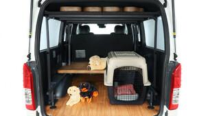 使い勝手もワンダフル!愛犬とドライブを楽しみたい人のために造られたフレックスの「DOG VAN」