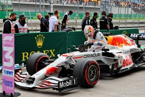 フェルスタッペン予選3番手「2番グリッドへの昇格は不利。メルセデスを倒すのは難しいが最善を尽くす」/F1第16戦