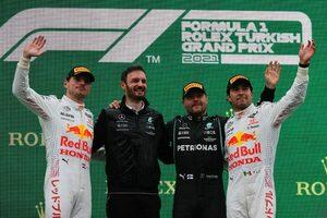 ボッタスが今季初優勝。レッドブル・ホンダはW表彰台、フェルスタッペンが再び選手権首位に【決勝レポート/F1第16戦】