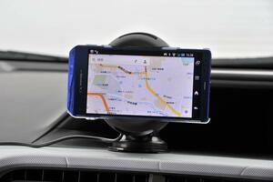 「Google MAP」に「Yahoo!カーナビ」! 高性能ナビアプリが無料で配布されるワケ