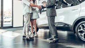 自動車メーカーが提供するサービスの顧客満足度ランキングTOP3、3位トヨタ、2位日産、1位は?