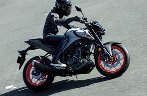 睨みを効かせたアグレッシブな面構えで切れ味の鋭い走りが楽しめるヤマハのストリートバイク「MT-03/MT-25」