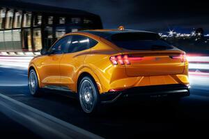 【電動SUVの最強モデル】フォード・マスタング・マッハE GT 最上位モデルデビュー