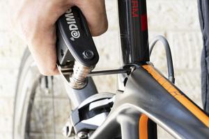バイク乗りやサイクリストの間で話題!自転車やバイクのメンテナンス、家具の組み立て、DIYに便利なDIMEの付録「マルチレンチ&ツール」