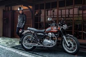 カワサキ「W800」シリーズ2022年モデル登場 「W」ブランドの伝統を受け継ぐ最新モデル