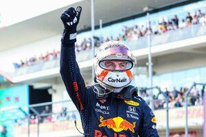 フェルスタッペン、苦労の末のポールに喜び「徐々に改善し、メルセデスとの大差をひっくり返した」/F1第17戦