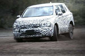 【威風堂々の人気SUV】次期三菱アウトランダー プロトタイプ公開 2月17日正式発表
