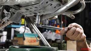 ヤマルーブを活用したエンジンオイル交換&各種ケーブル注油で中古車快調メンテナンス