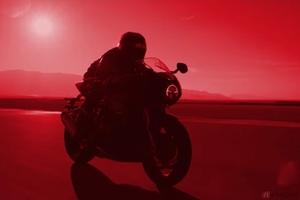トライアンフ「スピードトリプル1200RR」ティザー動画公開 ネオレトロな新型カフェレーサーモデル登場なるか!?
