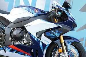 バイクのカラーを変える「ラッピング」とは? 塗装よりも気軽で元の色にも戻せるフルカラーチェンジの方法を紹介
