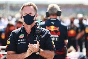 レッドブルF1代表、赤旗中にスチュワードを訪ねたメルセデスを批判。レースディレクターは今後の規制を決定