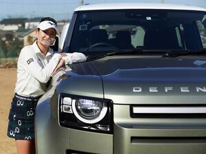 プロゴルファー原英莉花選手がランドローバー ディフェンダーでオフロードコースに挑戦