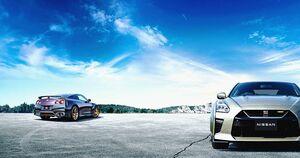 日産、「GT-R」2022年モデル 10月下旬発売 ミッドナイトパープルとミレニアムジェイドの特別仕様車「Tスペック」も