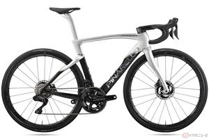 イタリアの自転車メーカー「ピナレロ」のハイエンドモデル「DOGMA F」 新型の完成車はお値段もそれなり!