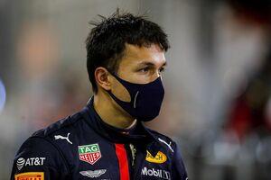 """フェルスタッペン、F1復帰する""""元チームメイト""""アルボンの活躍を確信「プレッシャーの少ない環境は彼に好都合」"""