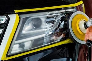令和になってもなぜヘッドライトは黄ばむのか? 最新ヘッドライト復活法