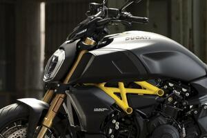 ドゥカティ「ディアベル1260S」の新たなバリエーションモデルが登場! 斬新なスタイルの〈ブラック&スチール〉バージョン