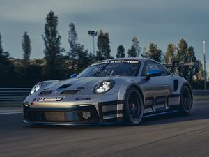 ポルシェ カレラカップ競技車両「911GT3カップ」の申込み開始。最高出力は8400rpmで発生する高回転エンジン