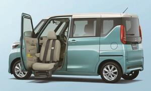 軽スーパーハイトワゴンの三菱eKクロススペース/eKスペースに福祉車両「助手席ムービングシート仕様車」を設定