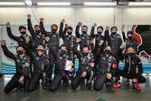 2021年スーパーGT第2戦富士のZFアワードはGT300ウイナーのLM corsaが受賞