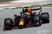 F1スペインGP決勝速報:レッドブル・ホンダのフェルスタッペン、残り7周で首位陥落。ハミルトン優勝、角田裕毅はトラブルでリタイア