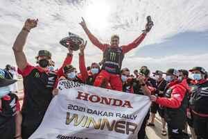 ホンダが逃げ切り、1・2位フィニッシュで二連覇を達成ダカールラリーステージ12